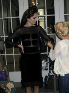 Vestido negro con transparencias de Tom Ford