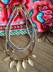 Collares de Spanish and Sisters