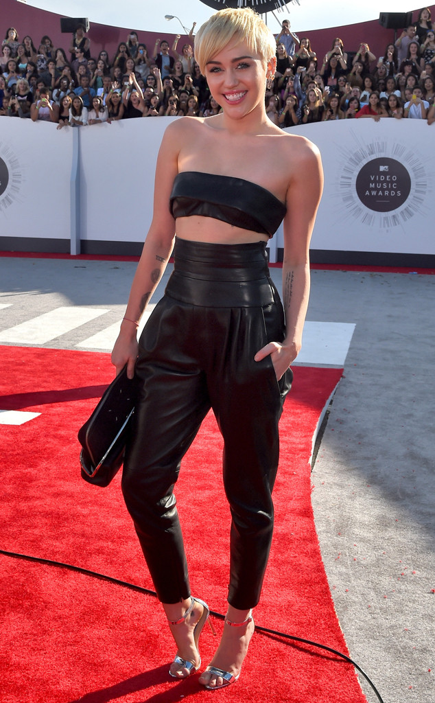 rs_634x1024-140824172807-634-miley-cyrus-mtv-vma.ls.82414[1]
