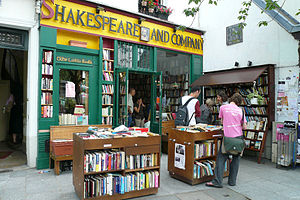 300px-Shakespeare_and_Company_(July_2007)
