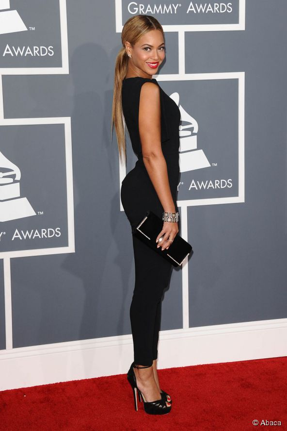10180-beyonce-posed-on-the-red-carpet-at-the-592x0-2