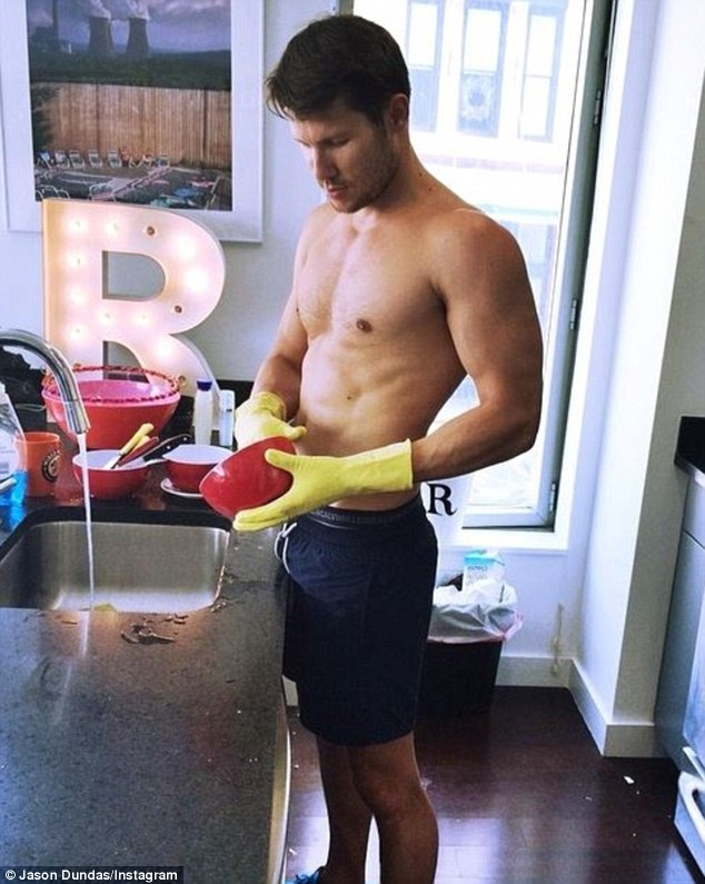 sexy-man-washing-dishes